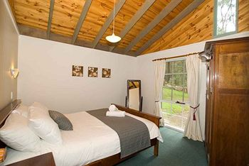 Hill aposNapos Dale Farm Cottages - Accommodation in Surfers Paradise