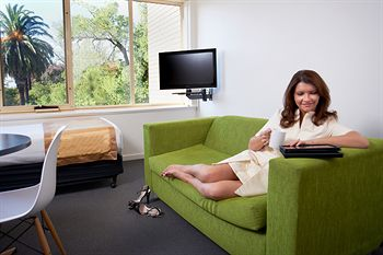 City Edge Serviced Apartments East Melbourne - Accommodation in Surfers Paradise