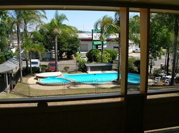 Bucketts Way Motel and Restaurant - Accommodation in Surfers Paradise