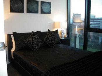 Docklands Executive Apartments - Accommodation in Surfers Paradise