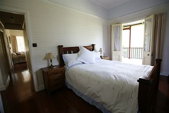 Singletons Retreat - Accommodation in Surfers Paradise