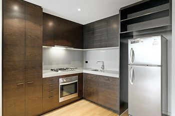 Docklands Private Collection of Apartments - NewQuay - Accommodation in Surfers Paradise
