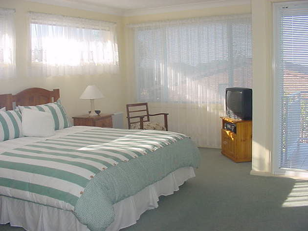 Cronulla Seabreeze Bed  Breakfast - Accommodation in Surfers Paradise