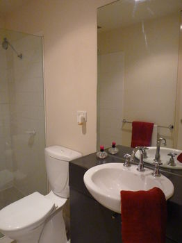 Australian Home Away  Market Square Melbourne - Accommodation in Surfers Paradise