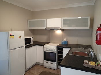 Dungowan Waterfront Apartments - Accommodation in Surfers Paradise