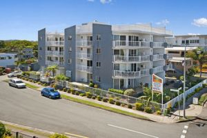 Sandy Shores Luxury Holiday Units - Accommodation in Surfers Paradise