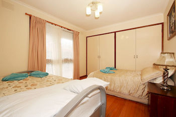 40 Thames Holiday Unit - Accommodation in Surfers Paradise
