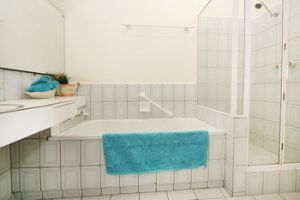 Wattle Holiday Rental - Accommodation in Surfers Paradise