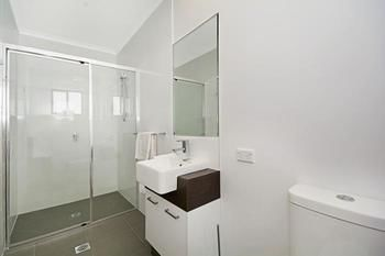 Cooroy Luxury Motel Apartments Noosa - Accommodation in Surfers Paradise