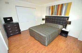 Balmain 3 Mont Furnished Apartment - Accommodation in Surfers Paradise