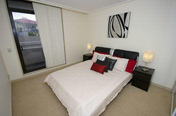 Balmain 704 Mar Furnished Apartment - Accommodation in Surfers Paradise
