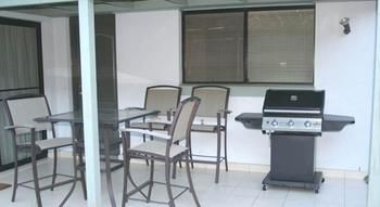 Castle Hill 128 Har Furnished Apartment - Accommodation in Surfers Paradise