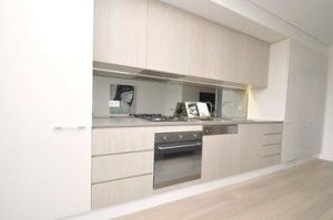 Darlinghurst 103 Far Furnished Apartment - Accommodation in Surfers Paradise