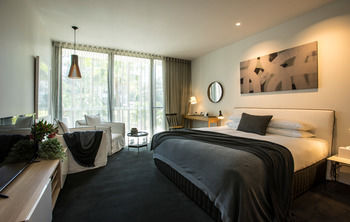 Bannisters Pavilion - Accommodation in Surfers Paradise