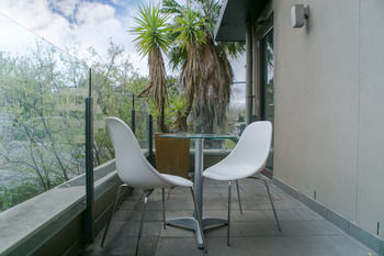 Comfy Kew Apartments - Accommodation in Surfers Paradise