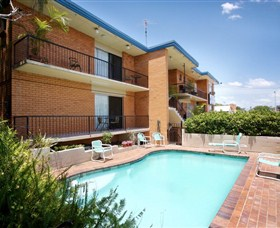 Ambassador Motor Inn - Accommodation in Surfers Paradise