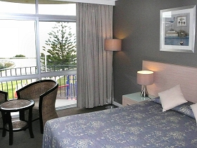 Scamander Beach Hotel Motel - Accommodation in Surfers Paradise
