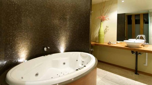 Hepburn Spa Pavilions - Saffron - Accommodation in Surfers Paradise