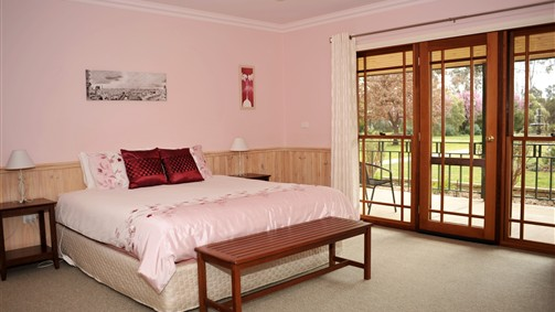 Stableford House Bed  Breakfast - Accommodation in Surfers Paradise