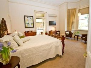 Brisbane Milton Bed and Breakfast - Accommodation in Surfers Paradise