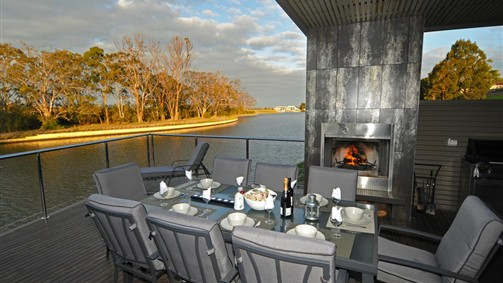 Gippsland Lakehouse - Accommodation in Surfers Paradise