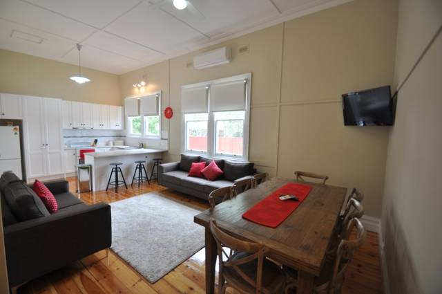 Ain Garth Self Catering Accommodation - Accommodation in Surfers Paradise