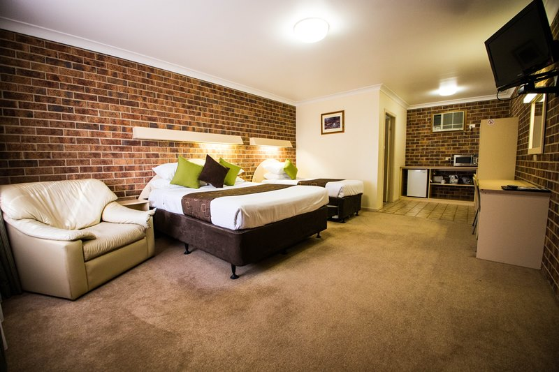 A-Line Motel - Accommodation in Surfers Paradise