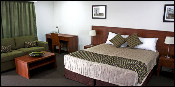 Chinchilla Downtown Motor Inn - Accommodation in Surfers Paradise