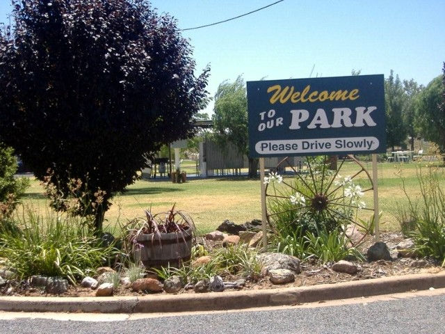 Country Club Caravan Park - Accommodation in Surfers Paradise