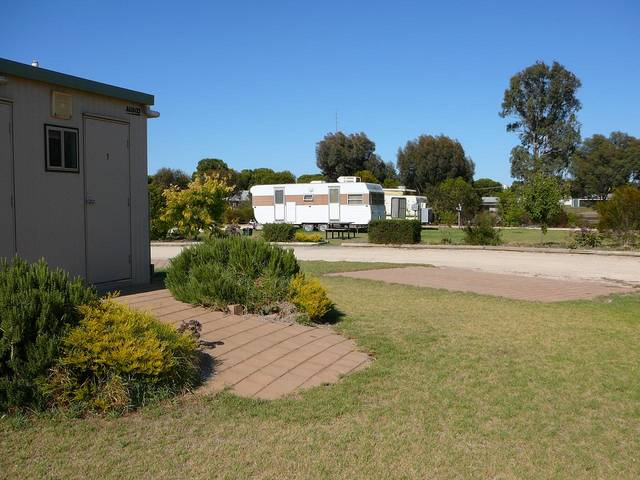 Cummins Community Caravan Park - Accommodation in Surfers Paradise