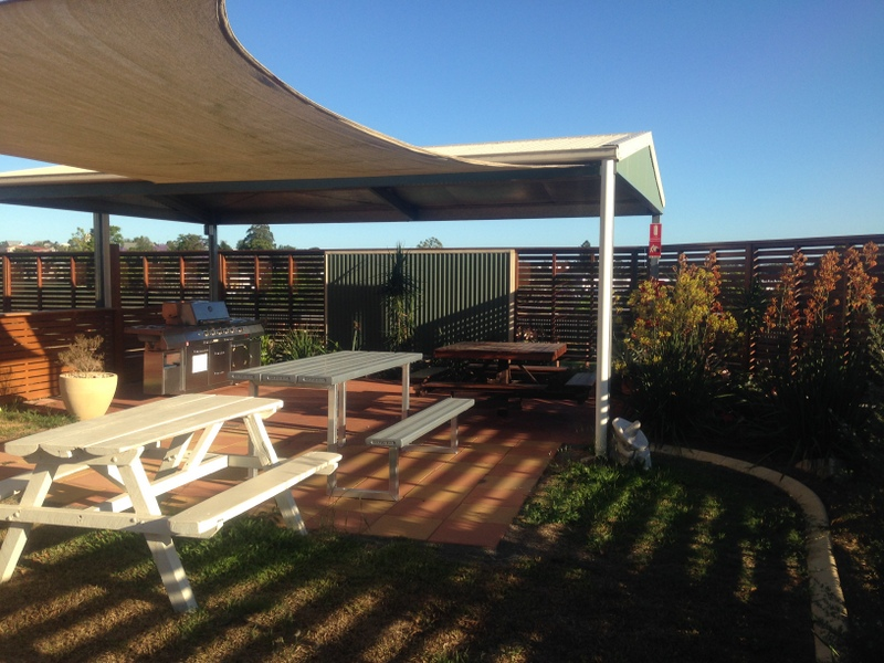 Gympie Caravan Park - Queens Park - Accommodation in Surfers Paradise