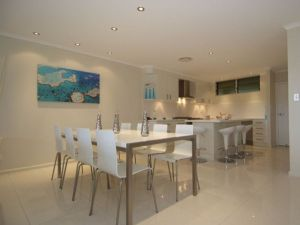 Hamilton Island Private Apartment - Poinciana - Accommodation in Surfers Paradise