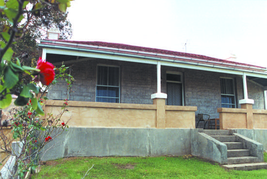 Limestone View Naracoorte Cottages - Accommodation in Surfers Paradise