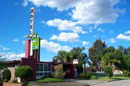 Mayfield Motel - Accommodation in Surfers Paradise