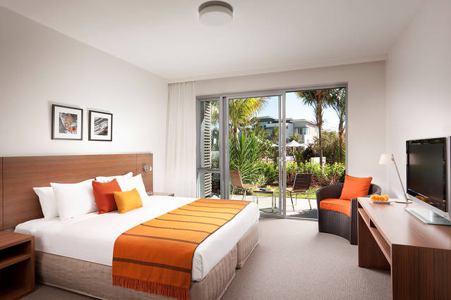 Pullman Magenta Shores Resort - Accommodation in Surfers Paradise