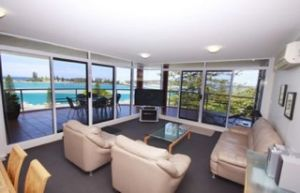 Sunrise Apartments Tuncurry - Accommodation in Surfers Paradise