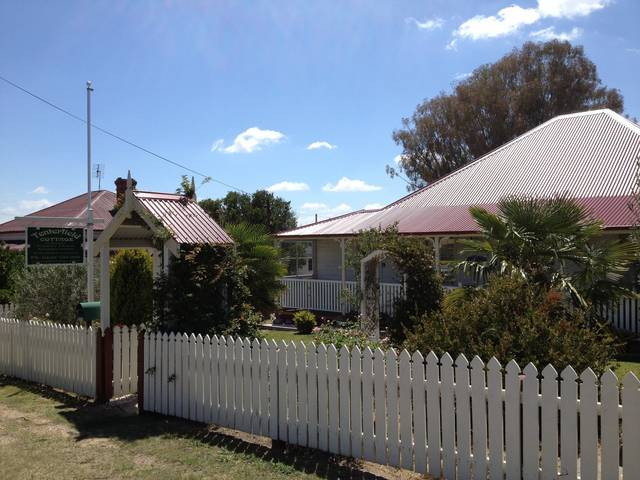 Tenterfield Luxury Historic c1895 Cottage - Accommodation in Surfers Paradise