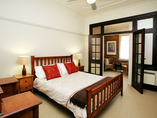 The Bank Guesthouse - Accommodation in Surfers Paradise