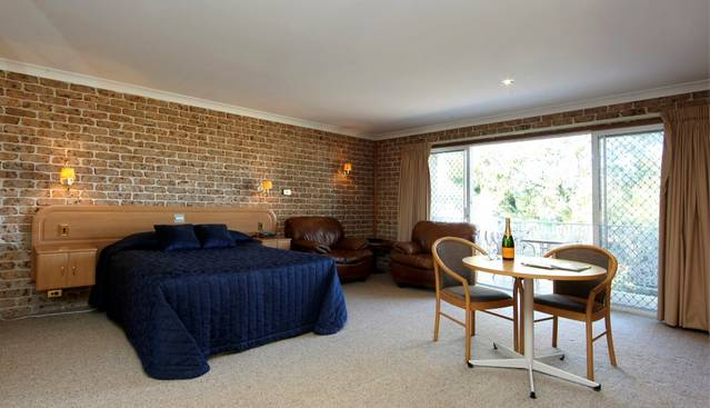Hermitage Campbelltown - Accommodation in Surfers Paradise