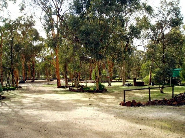 Toodyay Holiday Park  Chalets - Accommodation in Surfers Paradise
