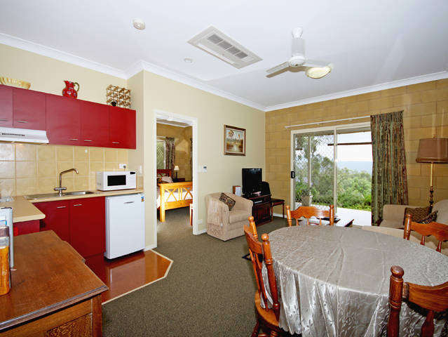 Wallaby Ridge Retreat - Accommodation in Surfers Paradise
