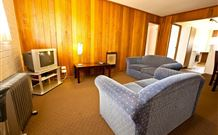 Snowy Mountains Motel - Adaminaby - Accommodation in Surfers Paradise