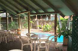 Settlers Inn - Accommodation in Surfers Paradise