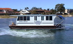 Dolphin Houseboat Holidays - Accommodation in Surfers Paradise