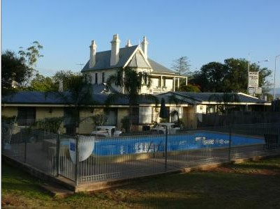 Airlie House Motor Inn - Accommodation in Surfers Paradise