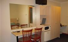 Tudor Inn Motel - Hamilton - Accommodation in Surfers Paradise
