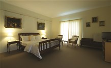 Yarrahapinni Homestead - Accommodation in Surfers Paradise
