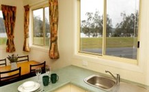 Mavis's Kitchen and Cabins - Accommodation in Surfers Paradise
