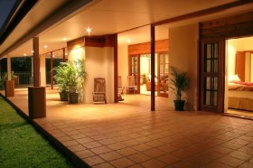 The Summit Rainforest Retreat and Conference Centre - Accommodation in Surfers Paradise