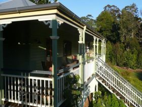 The Sanctuary Springbrook. Guest House / Cottage - Accommodation in Surfers Paradise